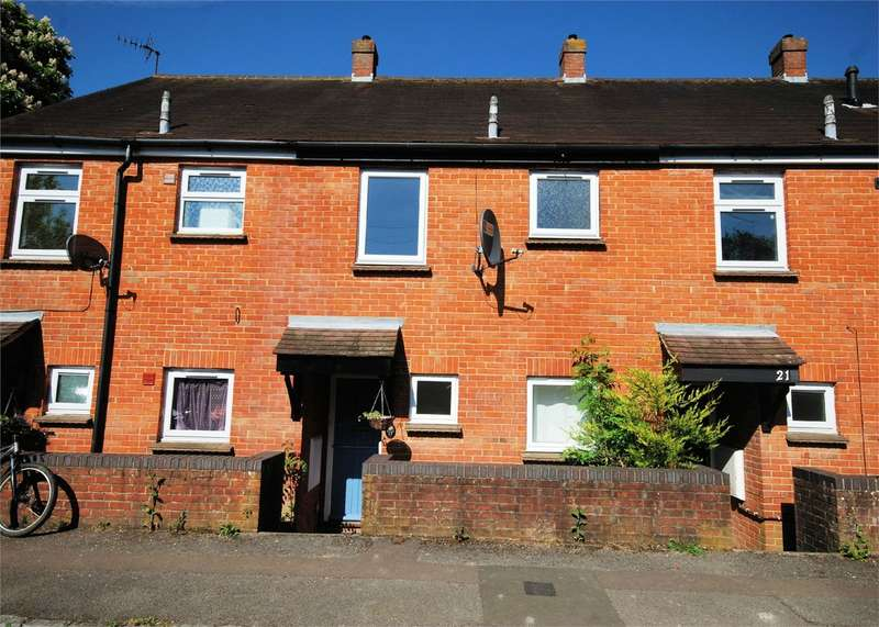 2 Bedrooms Terraced House for sale in 19 Little Hampden Close, Wendover, Buckinghamshire