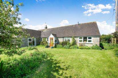 2 Bedrooms Bungalow for sale in Sherborne, Somerset