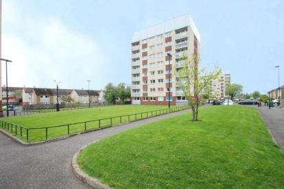 2 Bedrooms Flat for sale in Archerhill Avenue, Knightswood, Glasgow