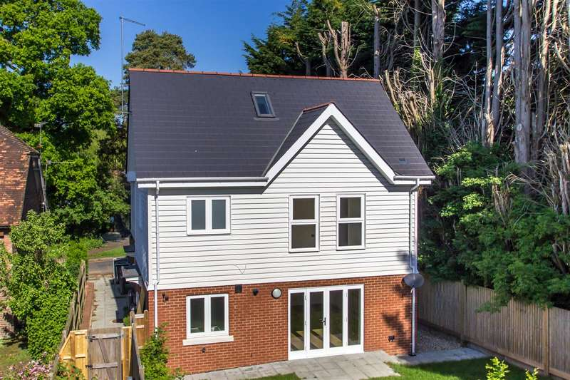 3 Bedrooms Semi Detached House for sale in Rectory Lane, Brasted