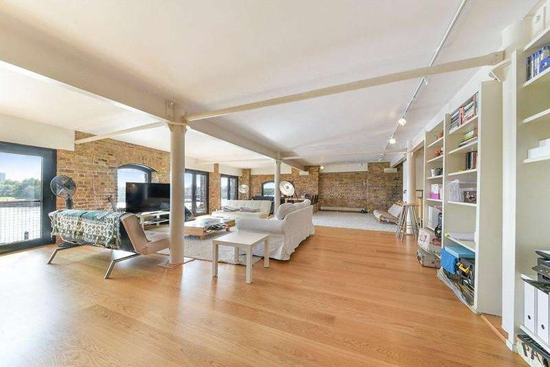 3 Bedrooms Flat for sale in St Johns Wharf, 104 - 106 Wapping High Street, Wapping, London, E1W