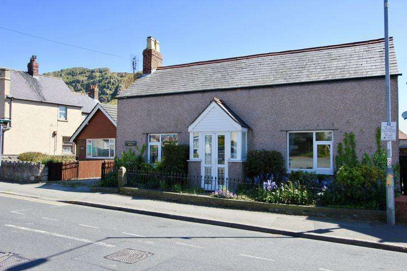 2 Bedrooms Detached Bungalow for sale in High Street, Dyserth