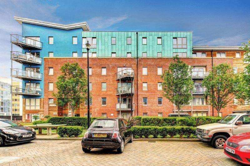 2 Bedrooms Apartment Flat for sale in Sweetman Place, City Centre