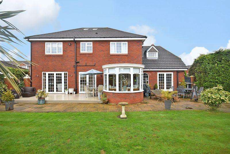 5 Bedrooms Detached House for sale in Stratton Park, Widnes