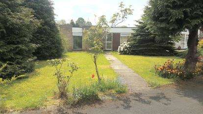 2 Bedrooms Bungalow for sale in Downes Green, Wirral, Merseyside, CH63