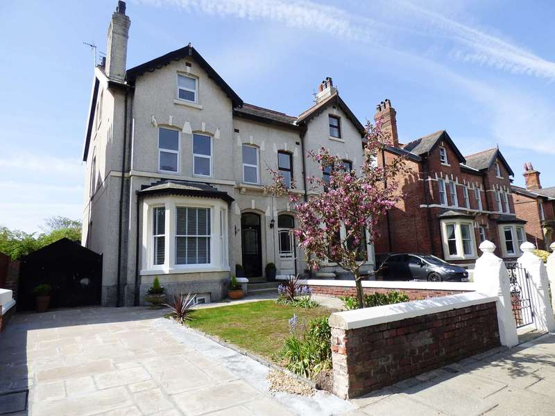 3 Bedrooms Flat for sale in Cambridge Road, Lytham