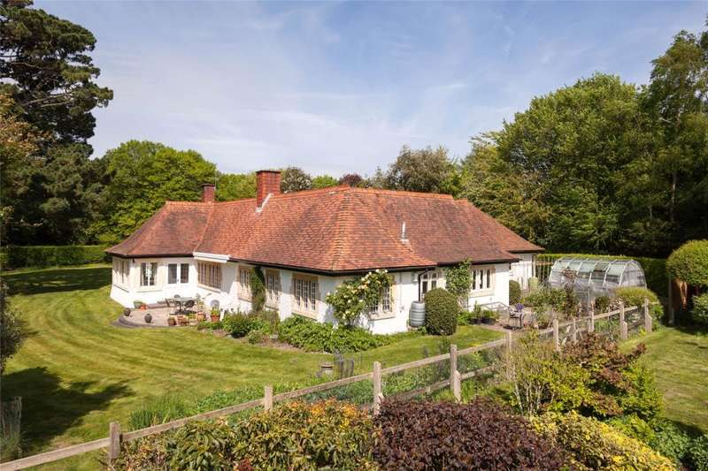 4 Bedrooms Detached Bungalow for sale in Littleheath Road, Fontwell, Arundel, West Sussex, BN18
