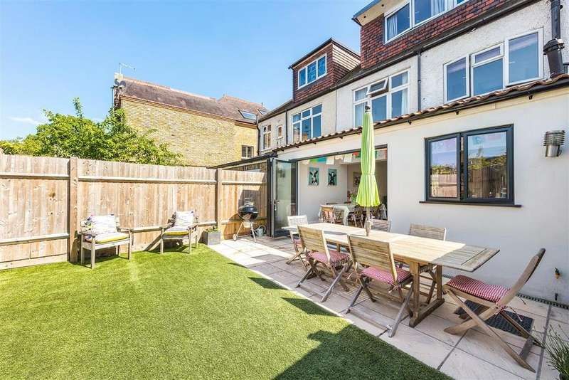 4 Bedrooms Terraced House for sale in Granville Road, SW18