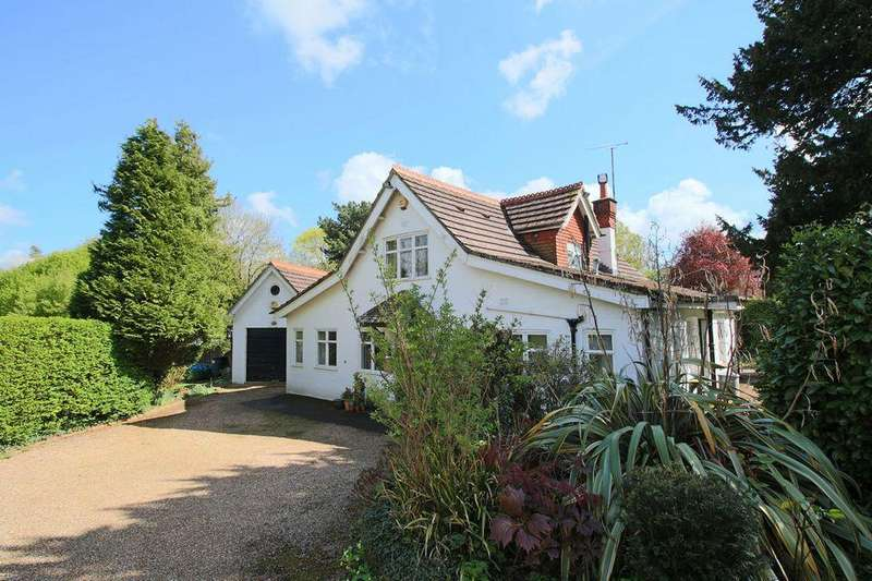 4 Bedrooms Detached House for sale in Keymer Road, Burgess Hill, West Sussex.