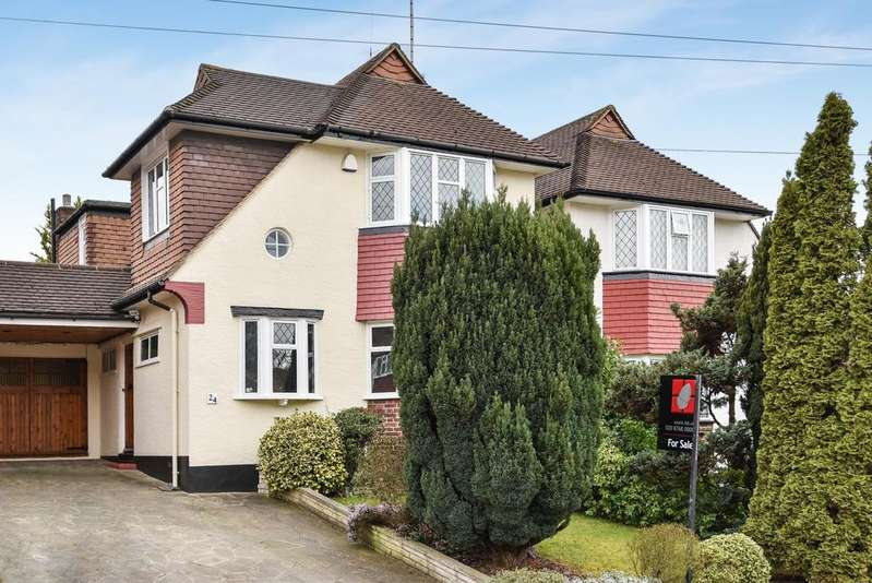 4 Bedrooms Detached House for sale in Waddington Way London SE19