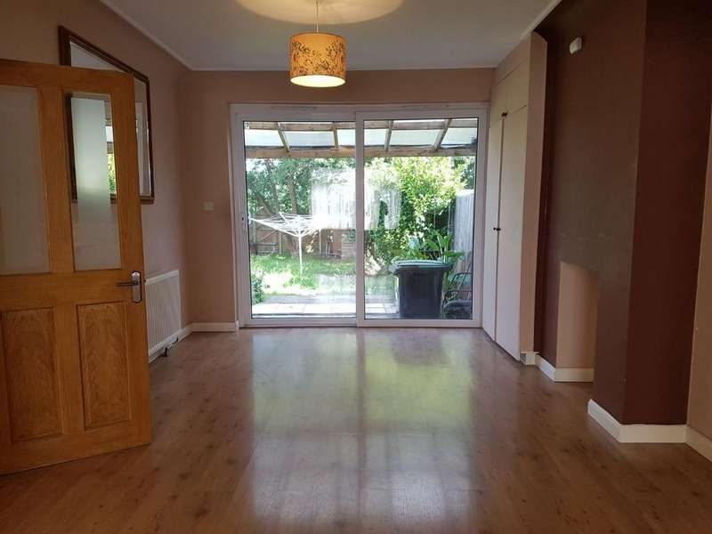 4 Bedrooms Semi Detached House for rent in Ladysmith Road, Enfield