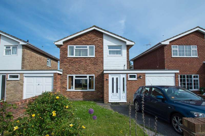 3 Bedrooms Detached House for sale in Fisher Close, Eastbourne