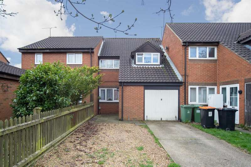 3 Bedrooms Terraced House for sale in New Woodfield Green, Dunstable