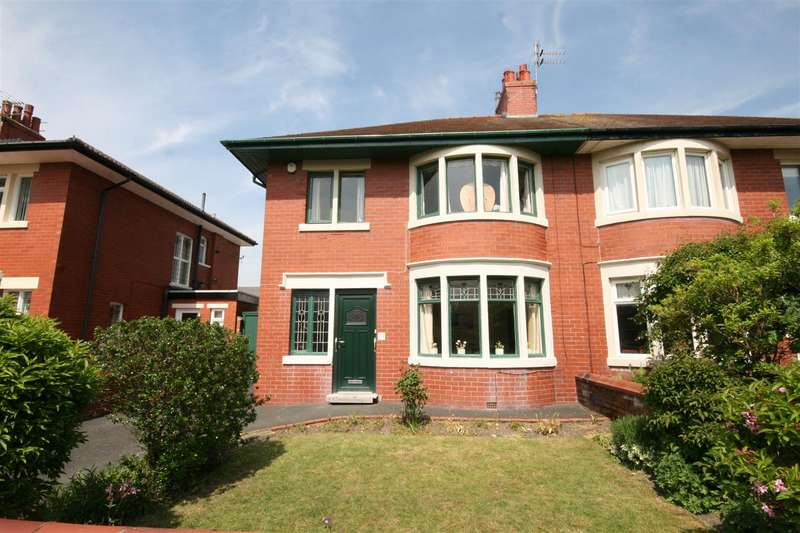 3 Bedrooms Semi Detached House for sale in Kingsway, Ansdell, Lytham St. Annes