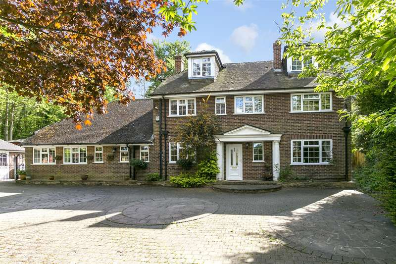 4 Bedrooms Detached House for sale in The Heath, East Malling, West Malling