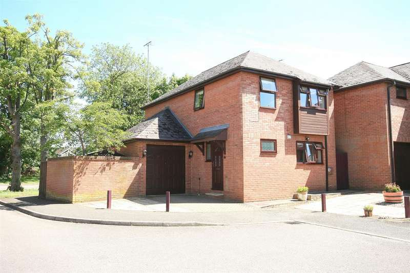4 Bedrooms Detached House for sale in Lovent Drive, Leighton Buzzard, Beds