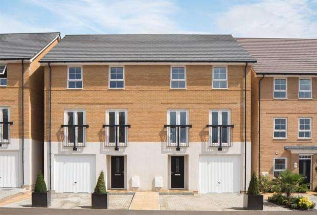 2 Bedrooms Apartment Flat for sale in Marlborough Grove Langley Road, Slough, SL3