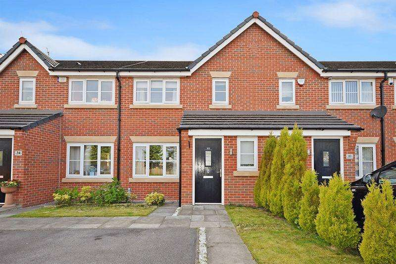 3 Bedrooms Town House for sale in Shackleton Avenue, Widnes