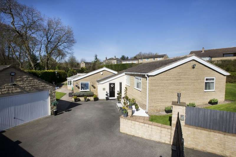 4 Bedrooms Detached Bungalow for sale in Lower Lark Hill, Cleckheaton, BD19