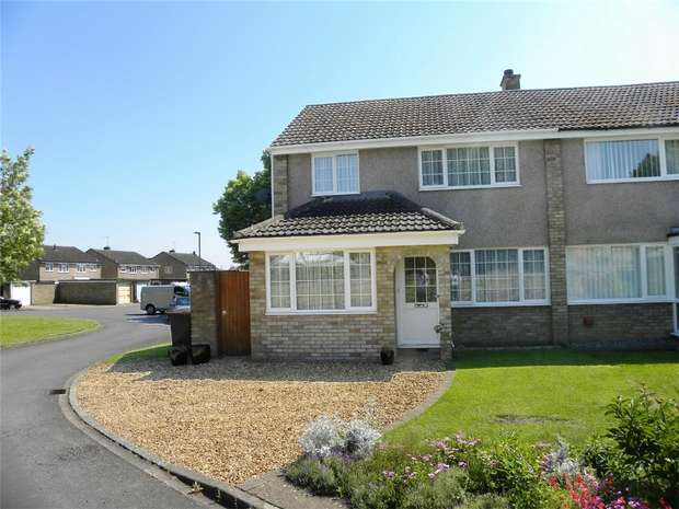 3 Bedrooms Semi Detached House for sale in The Hornbeams, Kempston, Bedford