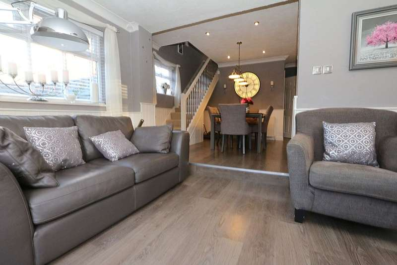 3 Bedrooms Semi Detached House for sale in Springhead Avenue, Springhead, Oldham, Greater Manchester, OL4 5SP
