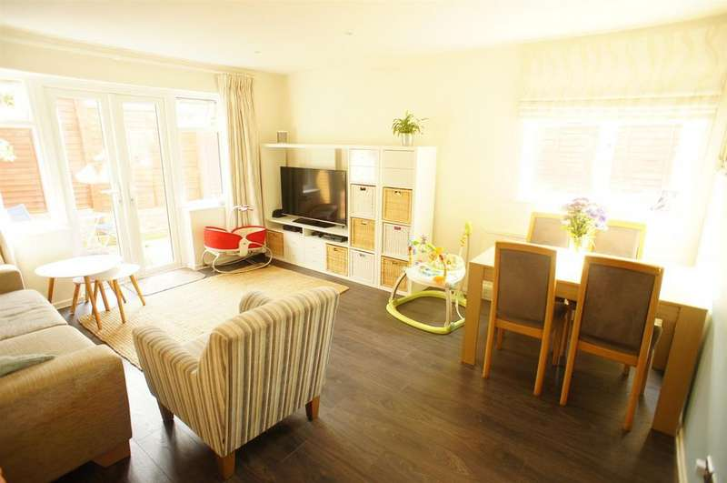 2 Bedrooms Semi Detached House for sale in Norbury Road, London