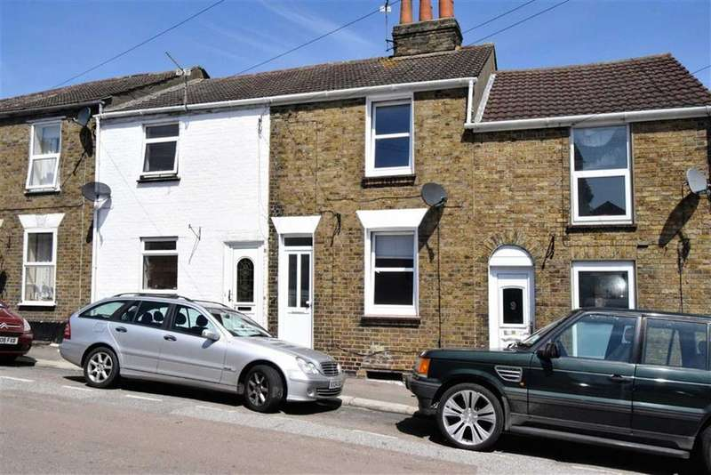 2 Bedrooms Terraced House for sale in New Street, Chatham