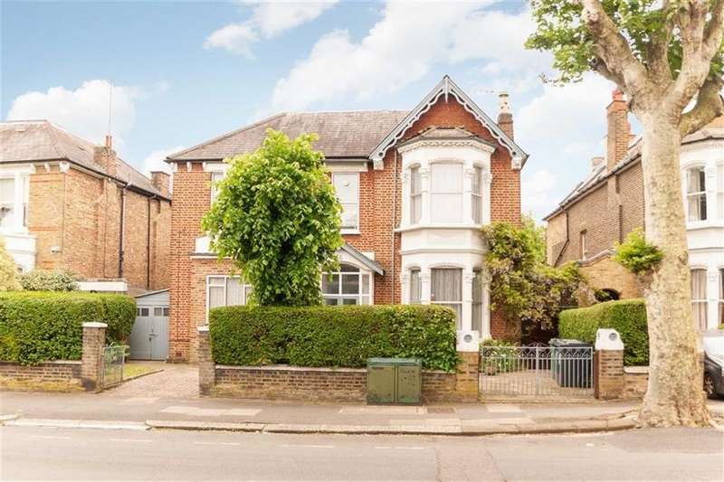 8 Bedrooms Detached House for sale in Rosemont Road, London