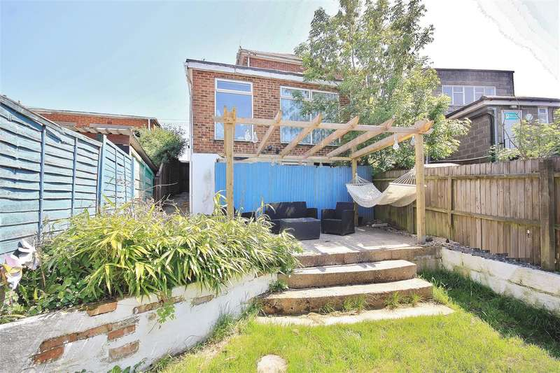 3 Bedrooms Apartment Flat for sale in Ringwood Road, Bournemouth