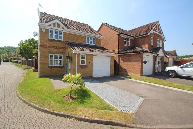3 Bedrooms Detached House for rent in Stag Way, Fareham