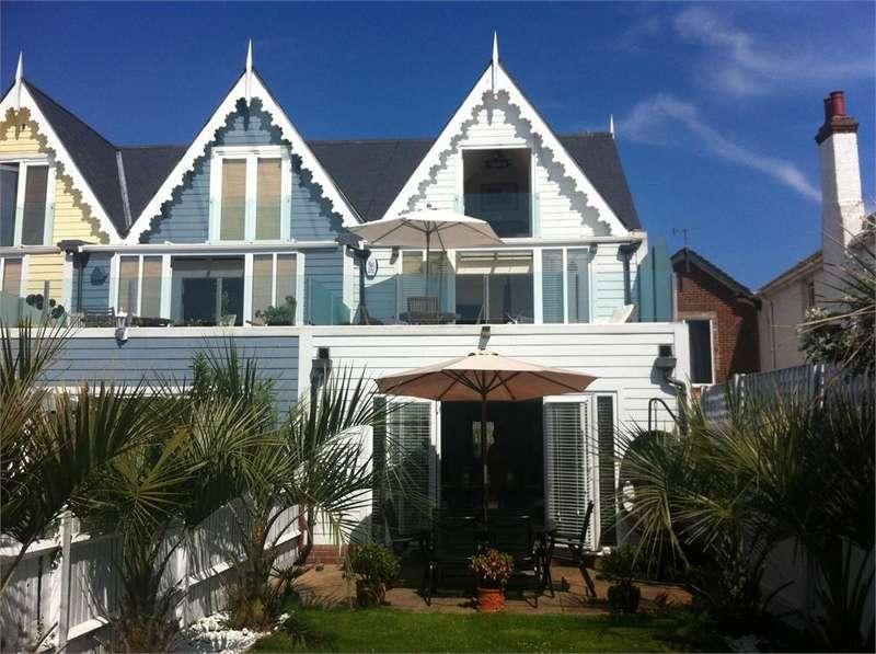 4 Bedrooms End Of Terrace House for sale in Barnett Reach, Green Lane, WALTON ON THE NAZE