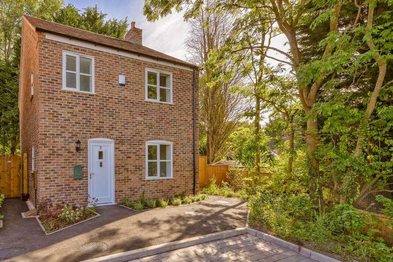 3 Bedrooms Detached House for sale in Crown View, Hodgebower, Ironbridge, TF8