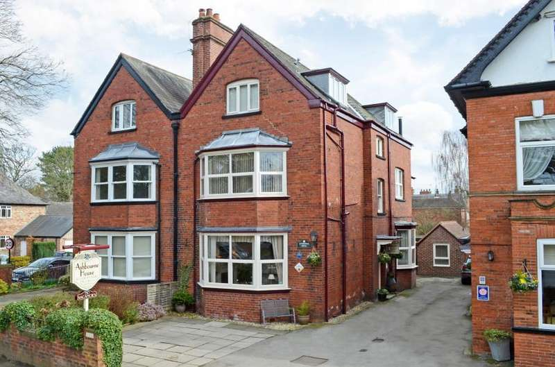10 Bedrooms Semi Detached House for sale in FULFORD ROAD, YORK, YO10 4HG