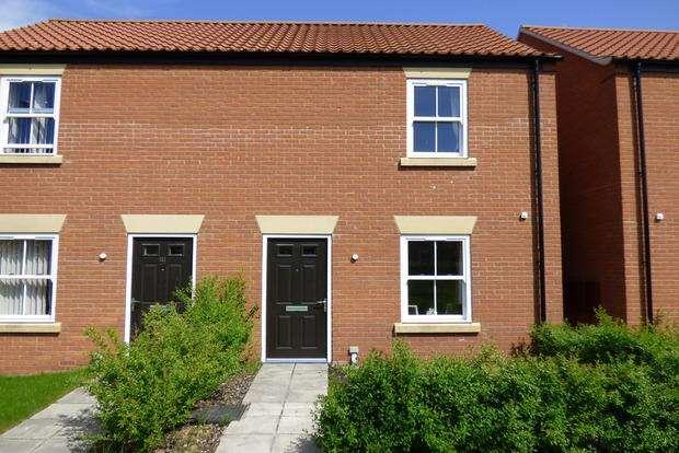 2 Bedrooms Semi Detached House for sale in Hazel Walk, Alford, LN13