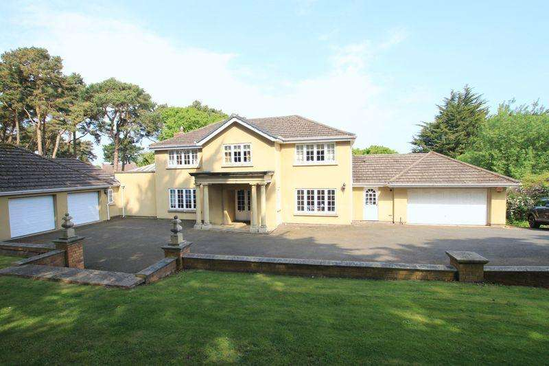 4 Bedrooms Detached House for sale in Colwyn Bay, Conwy