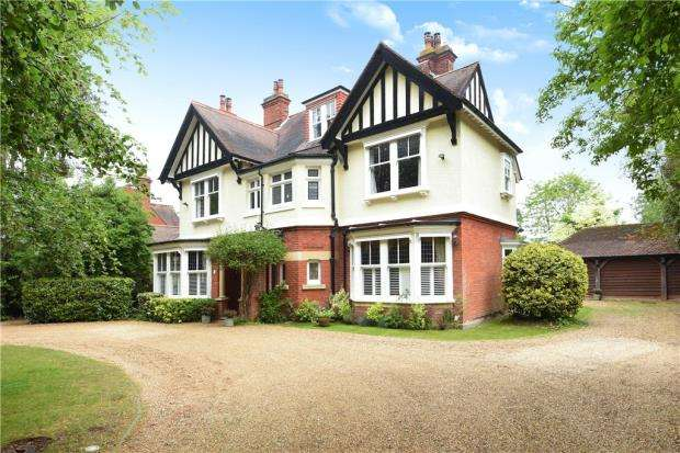 6 Bedrooms Detached House for sale in The Avenue, Crowthorne, Berkshire