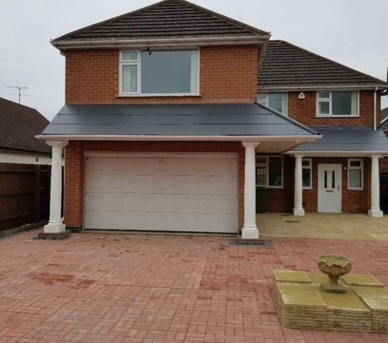 5 Bedrooms Detached House for sale in Hinckley Road, Leicester
