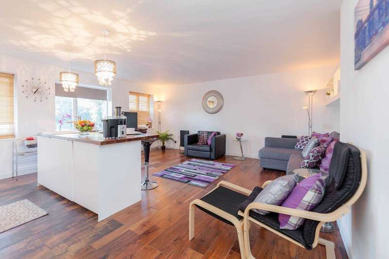 2 Bedrooms Apartment Flat for sale in Amsterdam Road, Canary Wharf