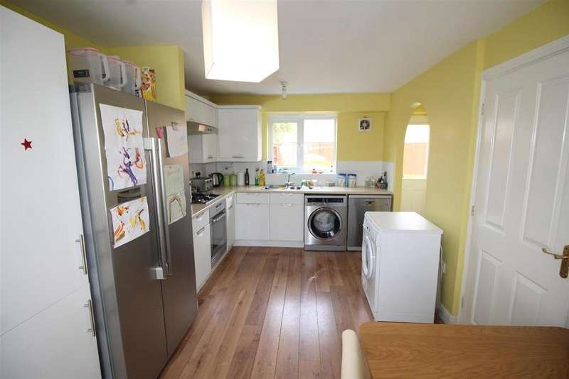 3 Bedrooms Semi Detached House for sale in Geddington Road, Peterborough