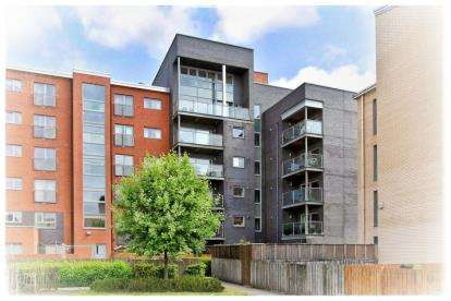 2 Bedrooms Flat for sale in Mathieson Terrace, New Gorbals, Glasgow