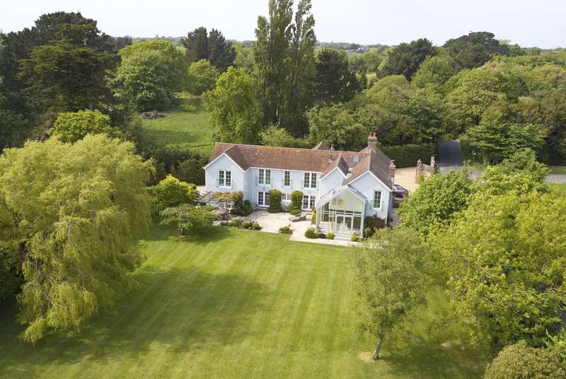 6 Bedrooms Detached House for sale in Lower Pennington Lane, Lymington, Hampshire