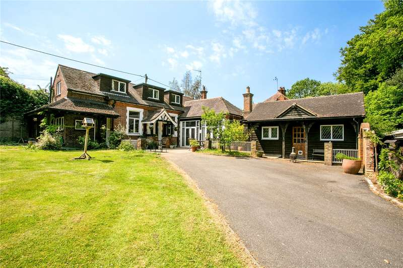 4 Bedrooms Detached House for sale in Marlow Road, Cadmore End, Buckinghamshire, HP14