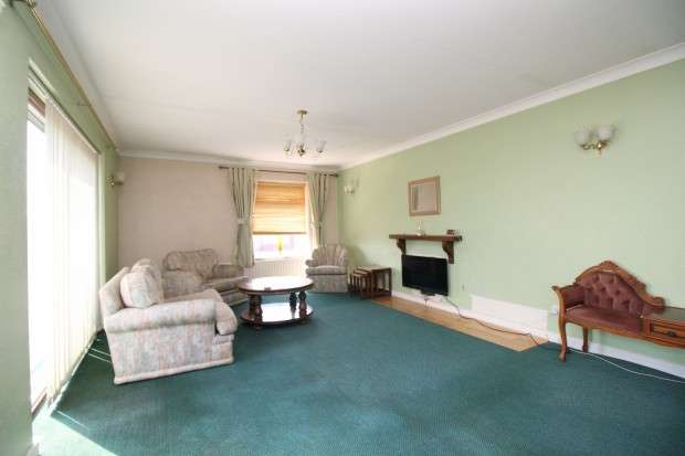 3 Bedrooms Apartment Flat for sale in West Drive, Thornton-Cleveleys, FY5