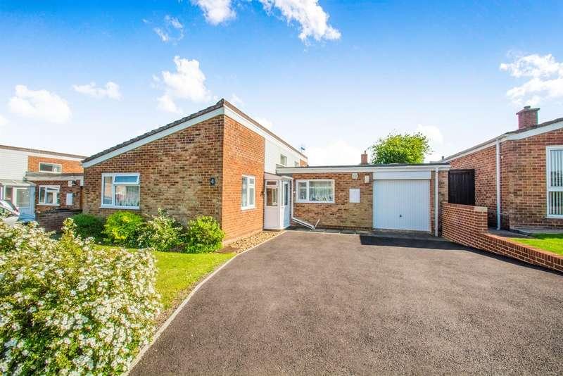 2 Bedrooms Detached Bungalow for sale in Forsdene Walk, Coalway, Coleford