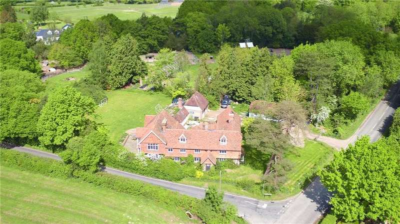 6 Bedrooms Farm House Character Property for sale in Common Road, Sissinghurst, Cranbrook, Kent, TN17