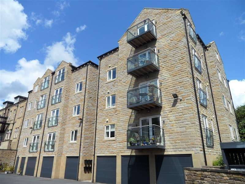 2 Bedrooms Apartment Flat for rent in Copperfield House, Halifax