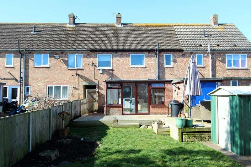 3 Bedrooms Terraced House for sale in Broadley Crescent, Louth, LN11 8AN