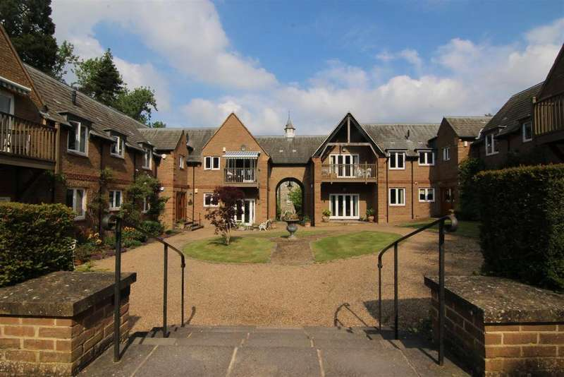 3 Bedrooms Apartment Flat for sale in Brasted Court, Brasted