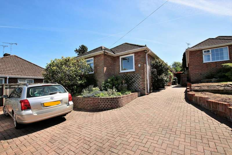 4 Bedrooms Bungalow for sale in West End, Southampton