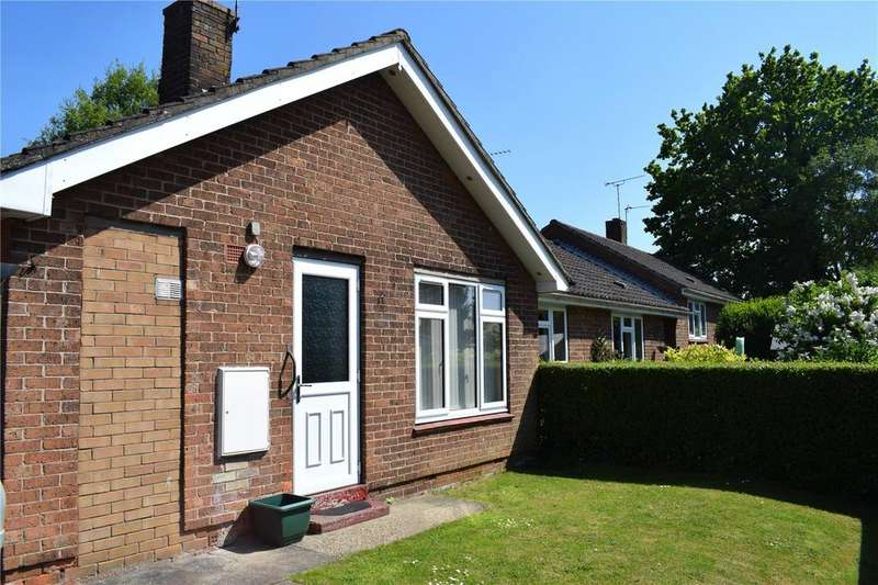 2 Bedrooms Semi Detached Bungalow for sale in Redhills Close, Caistor, Market Rasen, LN7
